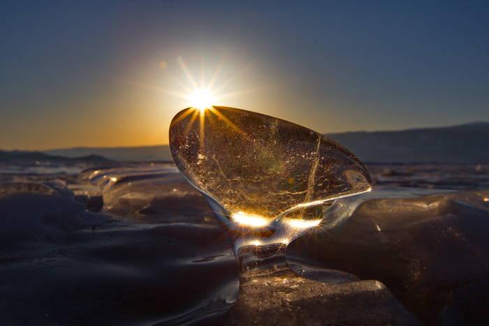 На ледяной Байкал с шеф-фотографом National Geographic Россия